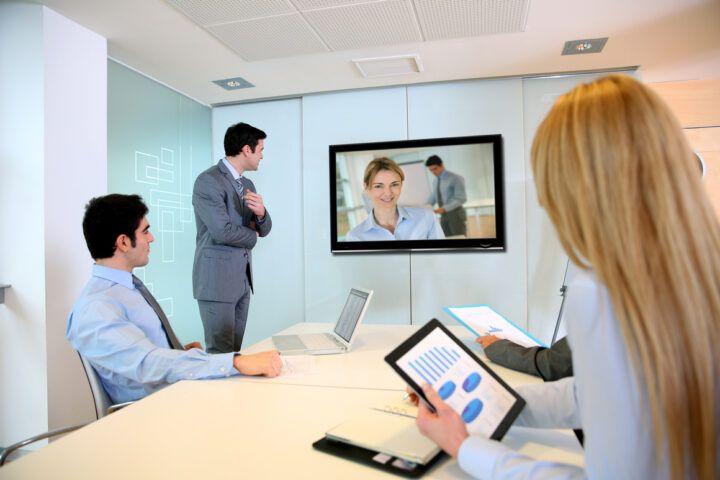 Företag ersätter fysiska möten!